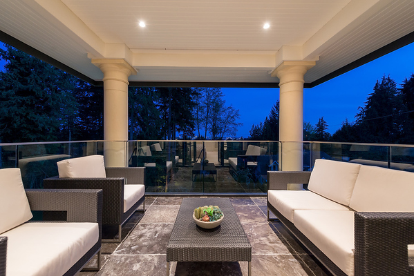 Luxurious West Vancouver Spec Home – Interior Solutions